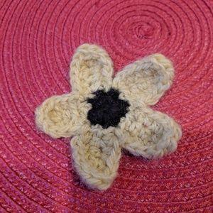 Knit sunflower hair clip